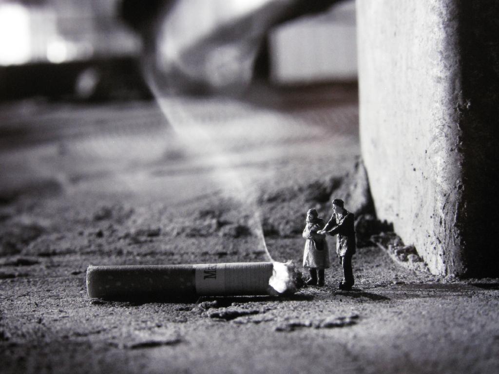 little_people_street_art_1 (1)