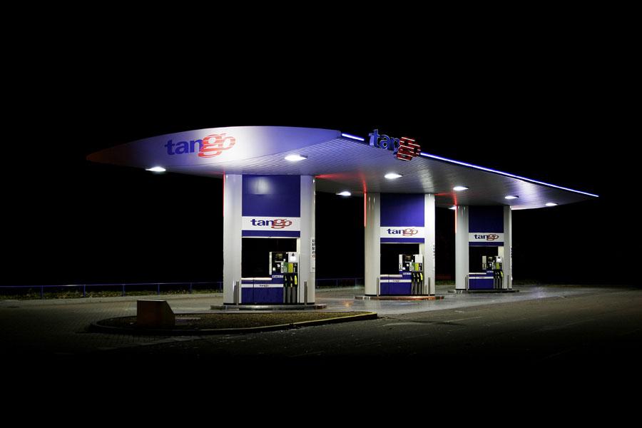 vanessa_leissring_petrol_stations_0005_b
