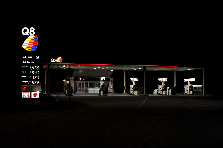 vanessa_leissring_petrol_stations_0017_b