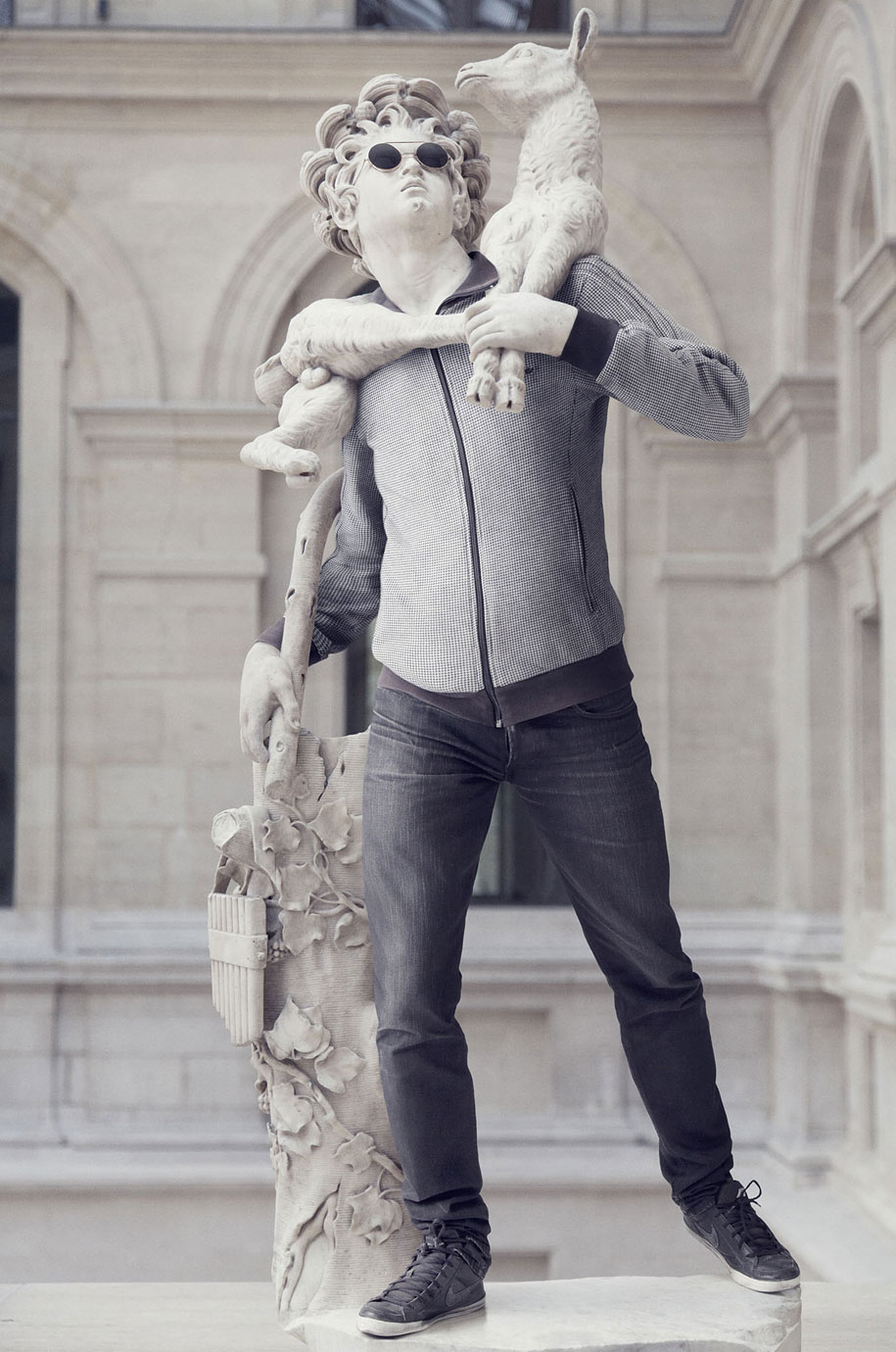 Esculturas vestidas Alternopolis (8)