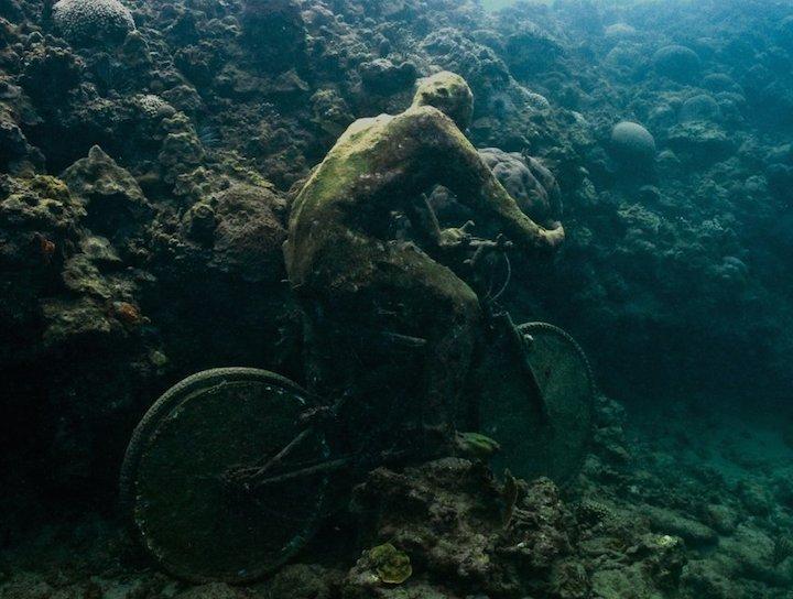 Jason-deCaires-Taylor_underwater- alternopolis (1)