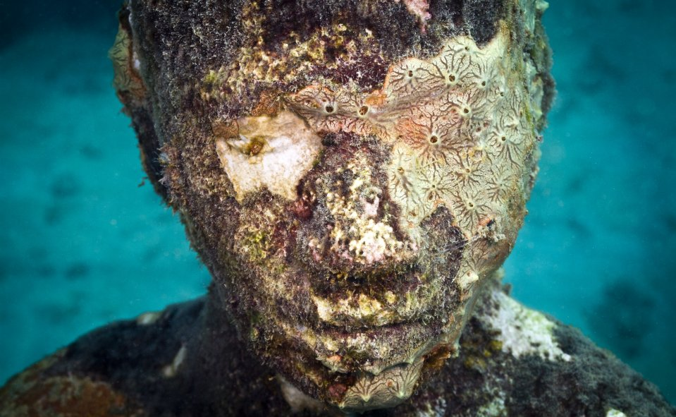 Jason-deCaires-Taylor_underwater- alternopolis (3)