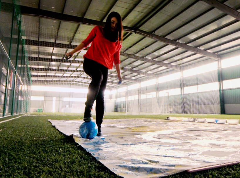red-hong-yi-paints-ronaldo-neymar-messi-soccer-ball-alternopolis-04 (2)