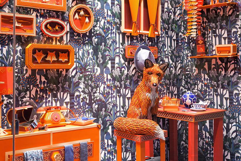 zim-zou-fox-den-window-hermes-barcelona-alternopolis  (10)