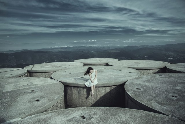 Atmospheric-Portraits-by-Alessio-Albi-5-640x427