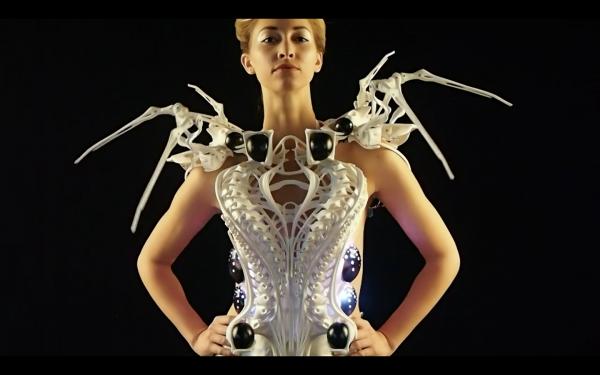 Spider-Dress-202092-600x375