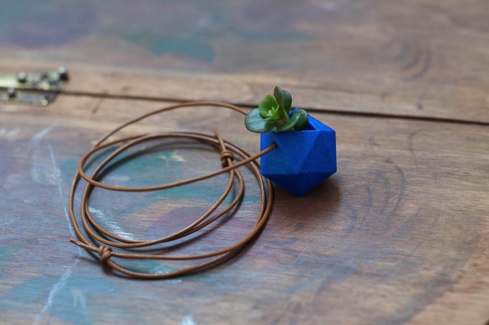 Wearable Planter Alternopolis (1)