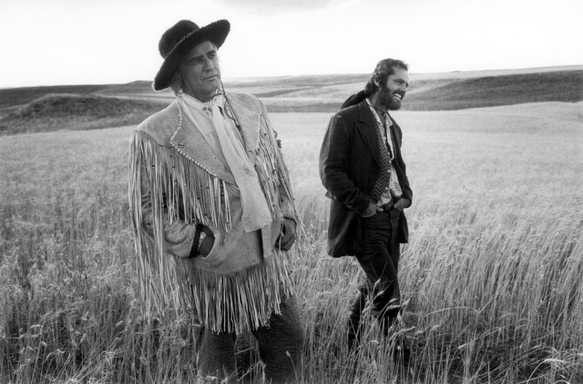 Marlon-Brando-Jack-Nicholson-on-the-set-of-The-Missouri-BreaksBillings-Montana-1975-640x421
