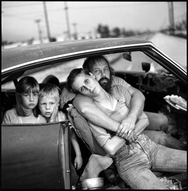 The-Damm-family-in-their-carLos-Angeles-California-1987-640x650