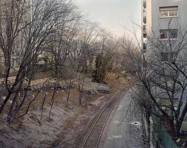 Pierre-Folk_By-the-silent-line_09