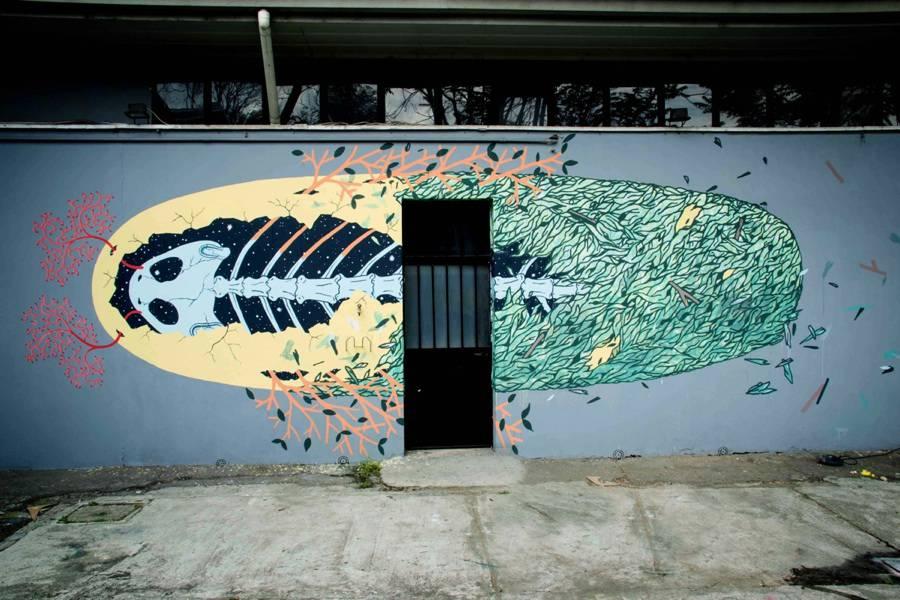 Amazing-Street-Art-by-Tellas-1-900x600
