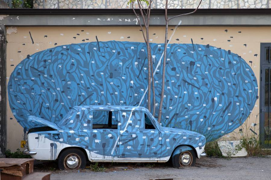 Amazing-Street-Art-by-Tellas-2-900x600