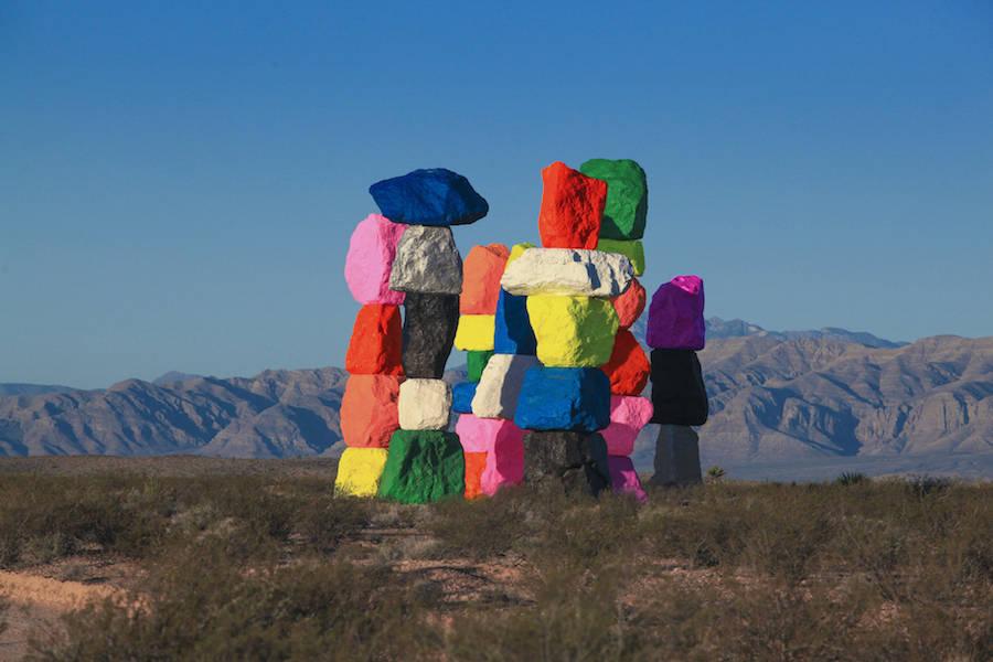 hugecolorblocktotemsinnevadadesert-3-900x600