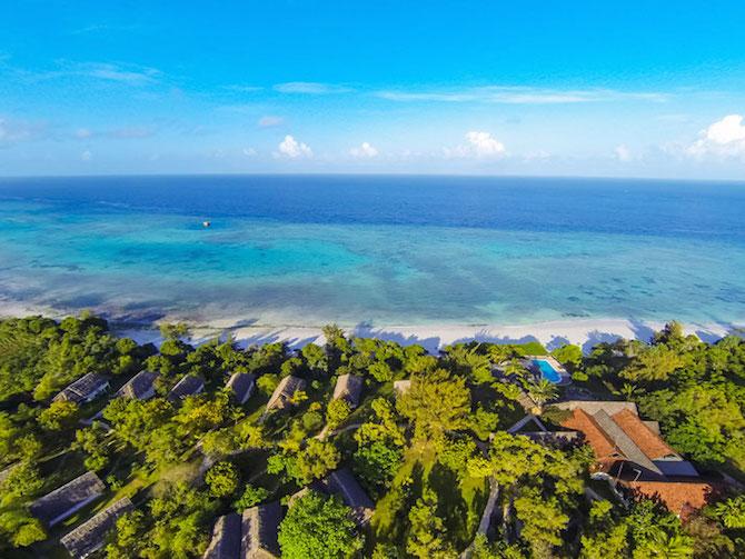 10-underwater-room-Manta-Resort-Pemba-Island-Tanzania-Architecture_