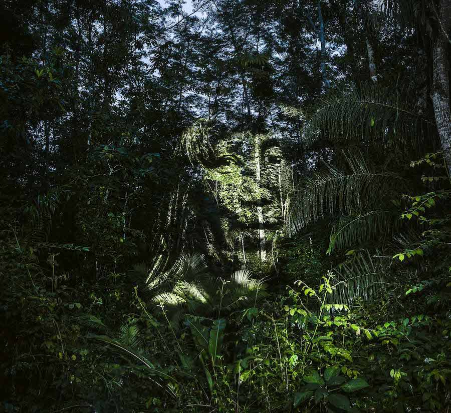 stunning-video-projections-of-indians-in-the-amazonian-forest-3-900x825