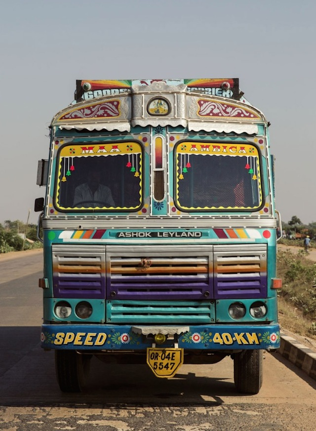 Indian-Technicolor-Trucks-Photography-1