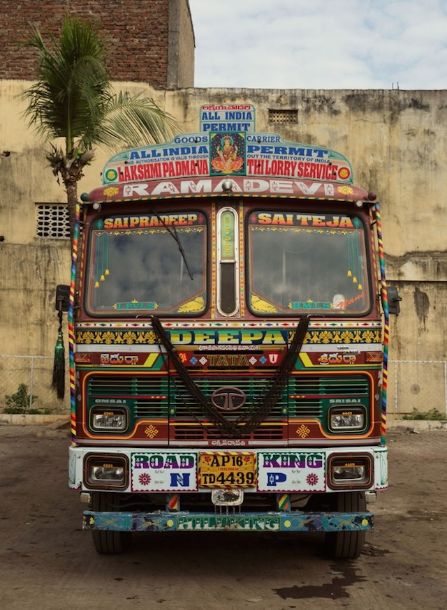 Indian-Technicolor-Trucks-Photography-29