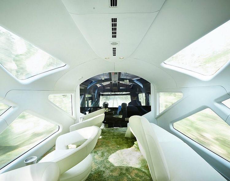 ferrari-luxury-train-japan-2