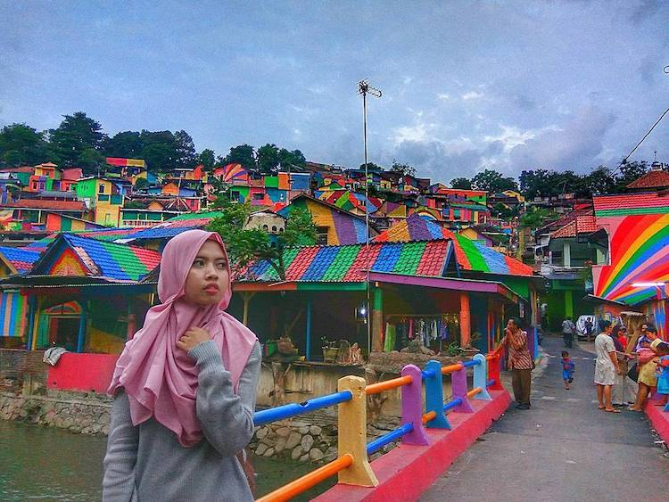 rainbow-colored-village-7