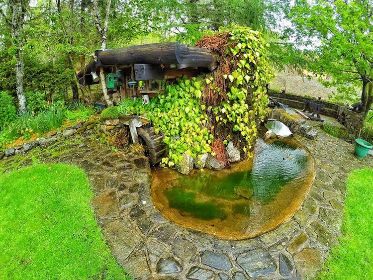 real-hobbit-house-20