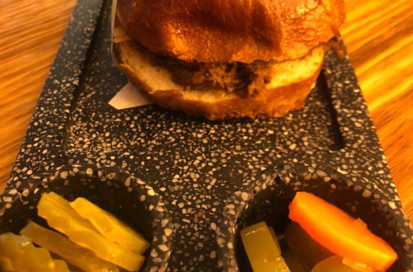 House rescata la tradición, y el sabor, de las hamburguesas